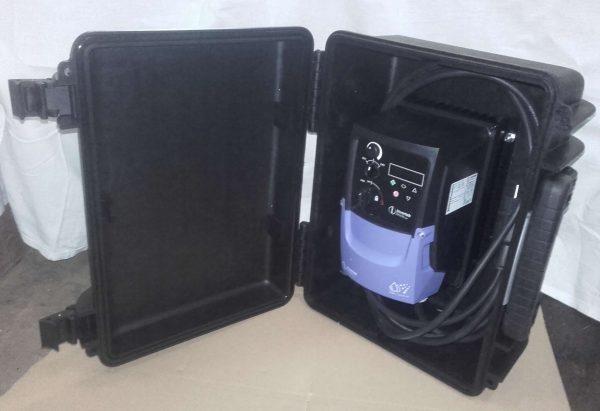 """Frequenzumrichter für 2""""-Probenahmepumpe Grundfos MP1"""