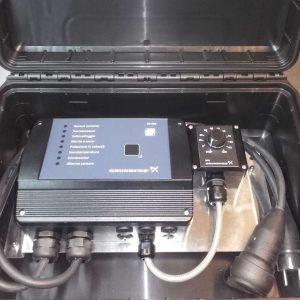 Steuereinheit CU 300 für Grundfos SQE Pumpen mit Potentiometer betriebsfertig im Outdoor-Koffer